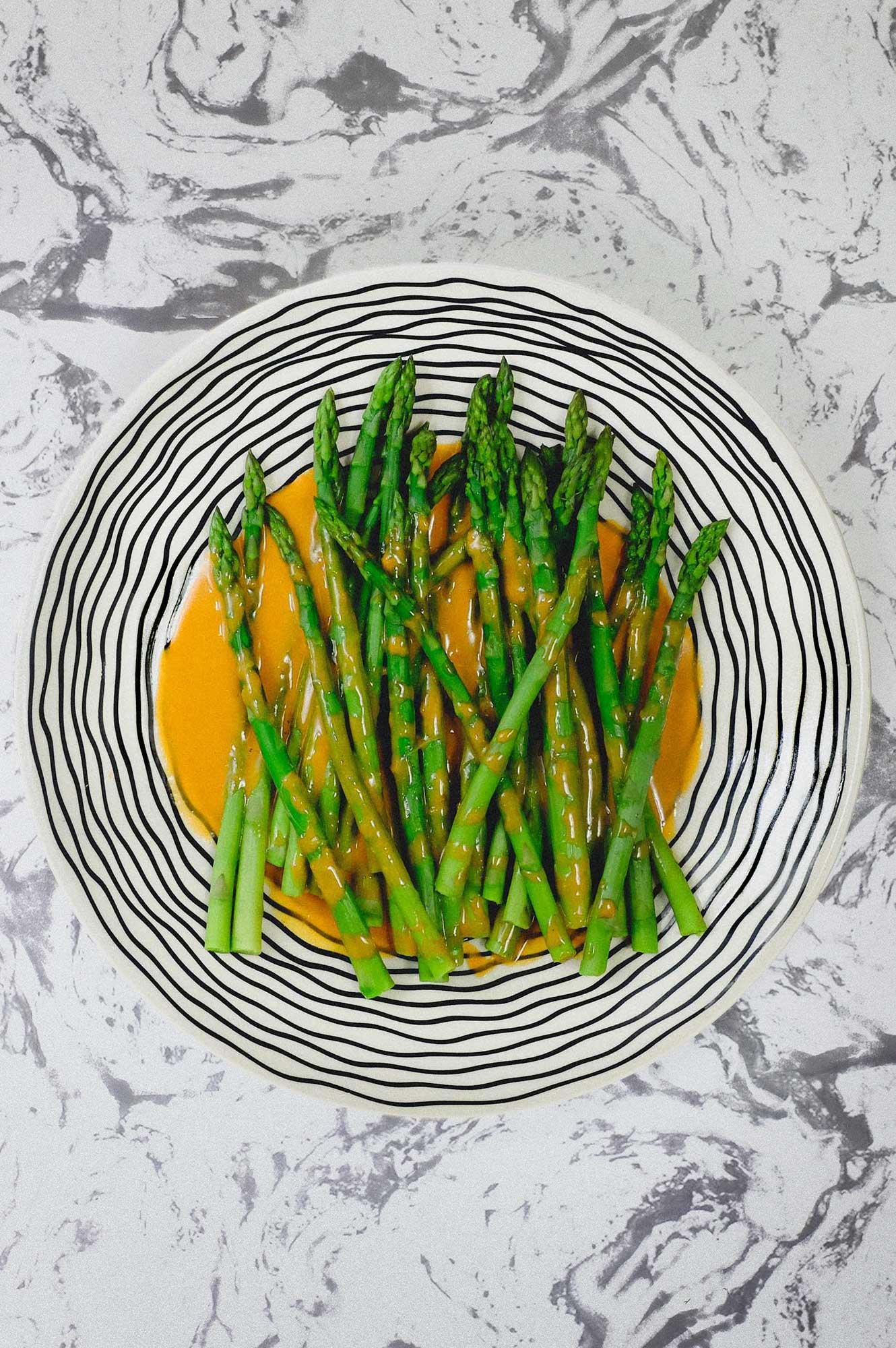 Asparagus with Smoked Alioli