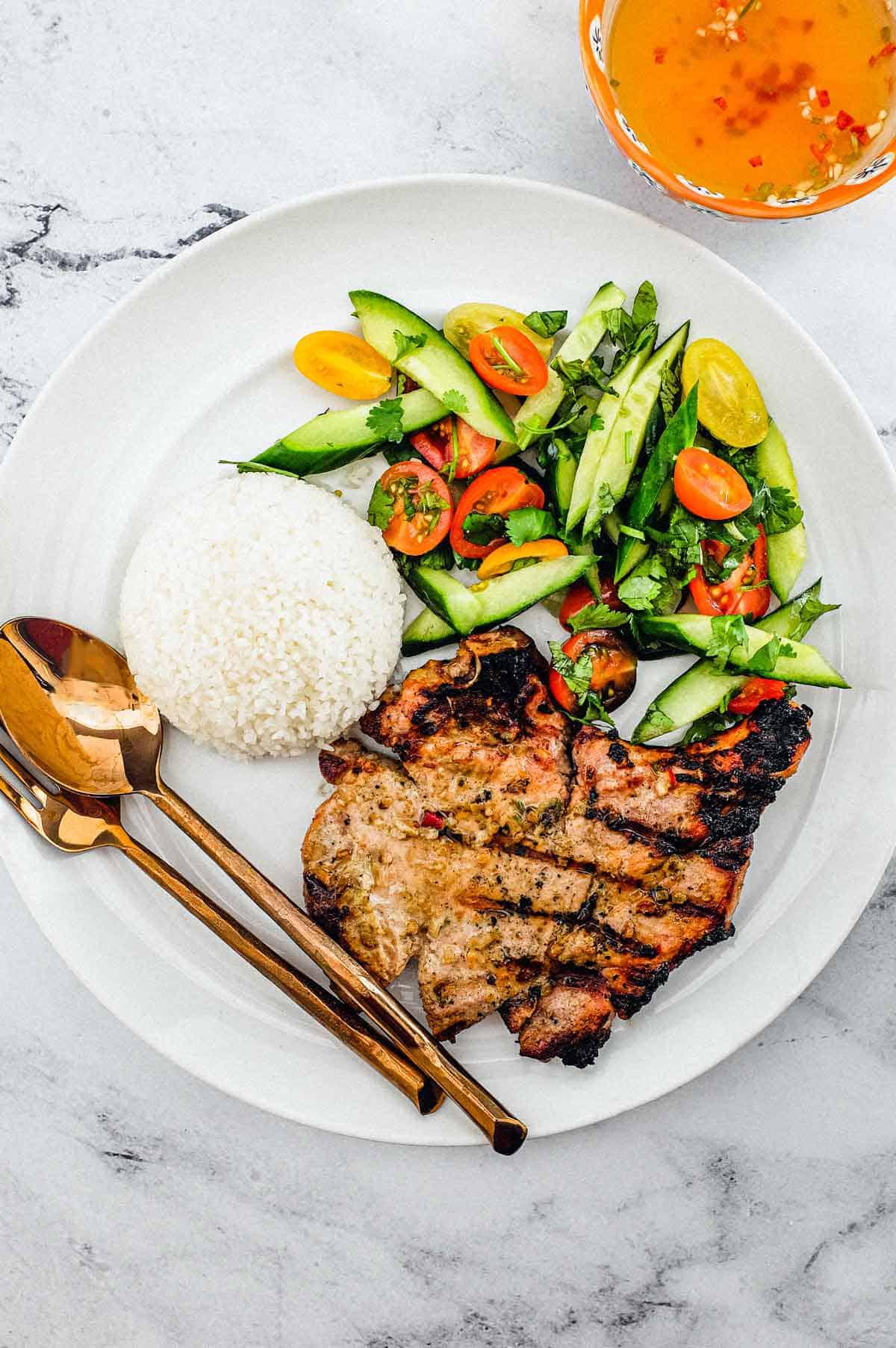 Vietnamese Grilled Lemongrass Pork Chops (Thit Heo Nuong Xa)